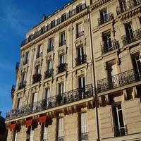 facade of building 503861 640